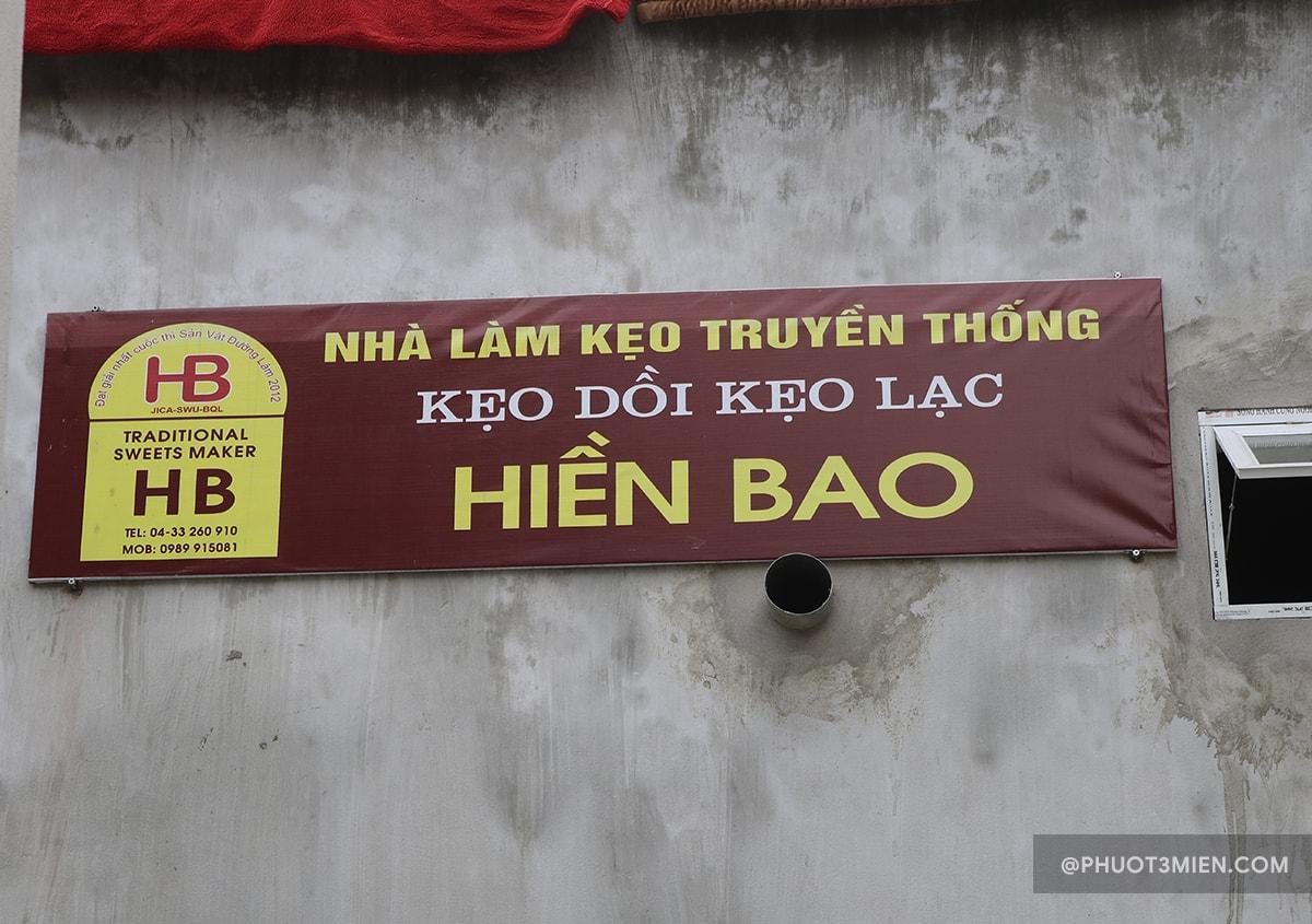 làm kẹo lạc truyền thống Hiền Bao - Đường lâm