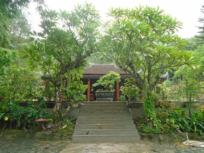 chua-huyen-khong-son-thuong-13