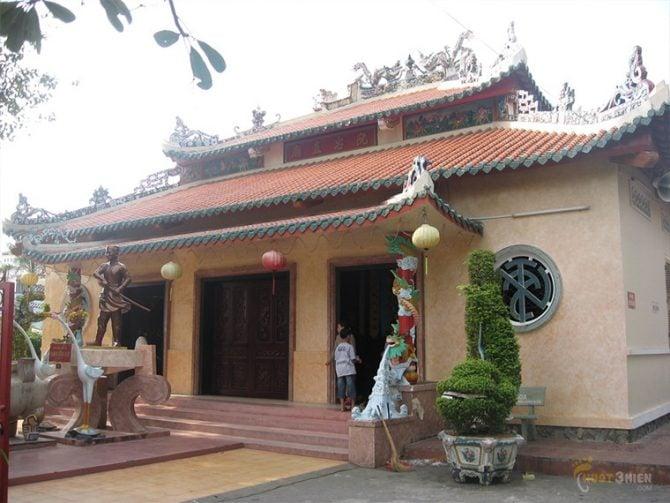 Đền thờ Nguyễn Trung Trực Phất Bùi Hà Tiên-24