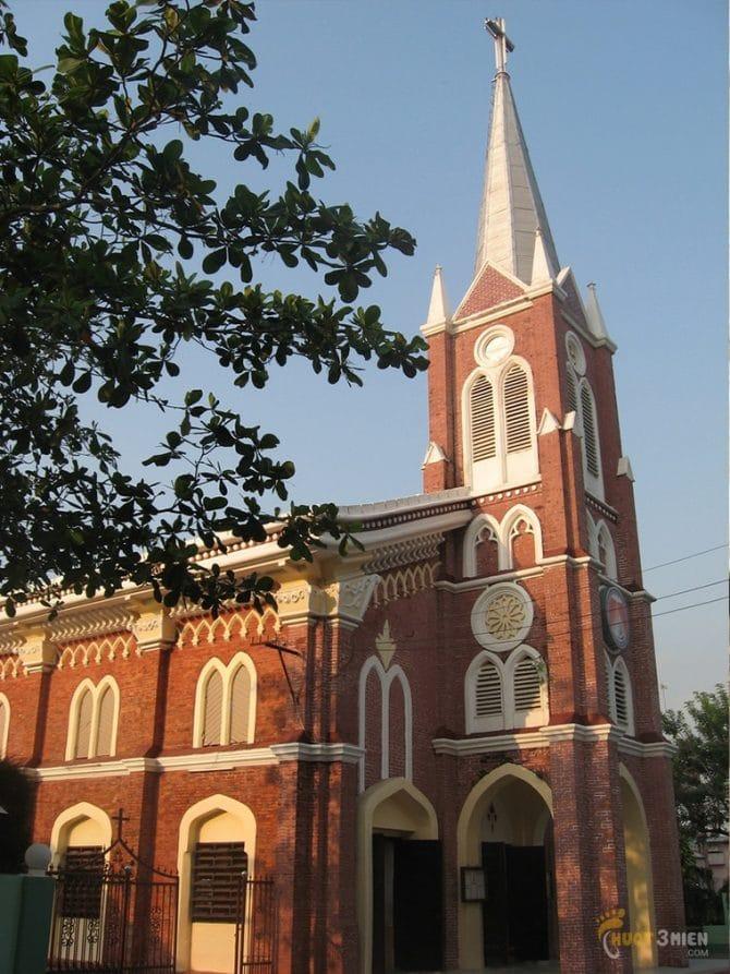 nhà-thờ-lớn-rạch-giá-phượt-bụi-hà-tiên-31
