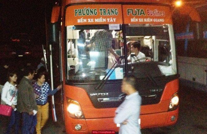 xe-phuong-trang-di-dao-nam-du-1