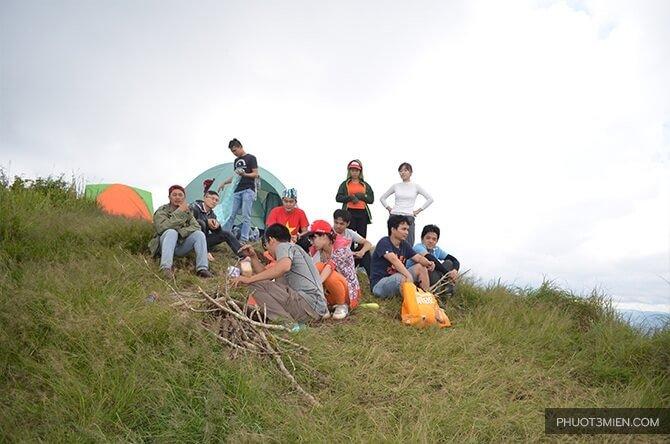 cắm-trại-trên-đỉnh-langbiang-1