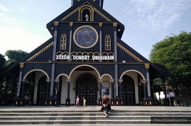 nhà thờ gỗ