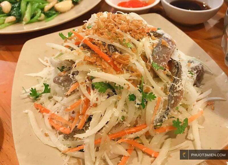Gỏi cá trích ở Phú Quốc