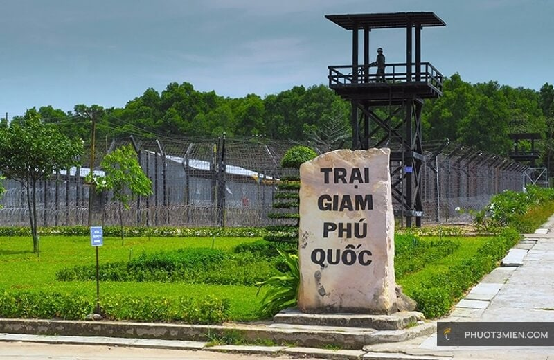 nhà lao cây dừa phú quốc