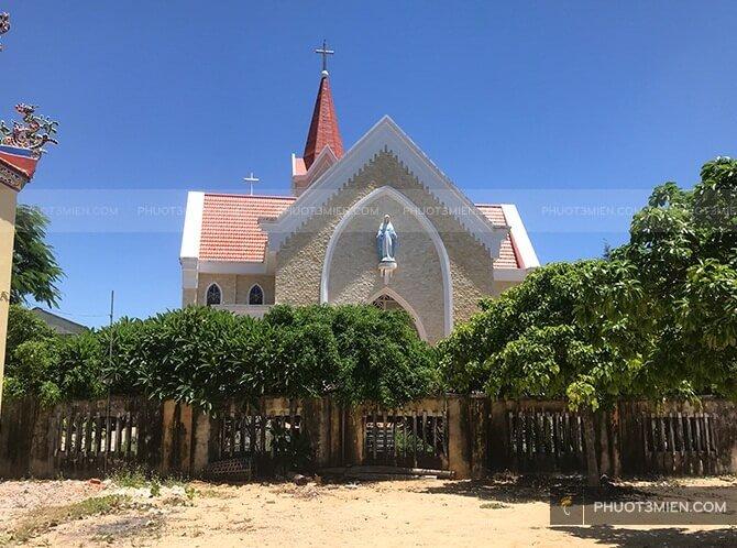 nhà thờ trên đảo lý sơn