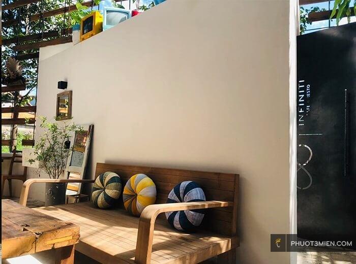 Infiniti Cafe & Resto
