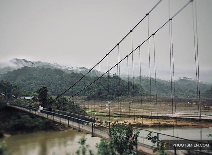 cầu treo khu du lịch măng đen