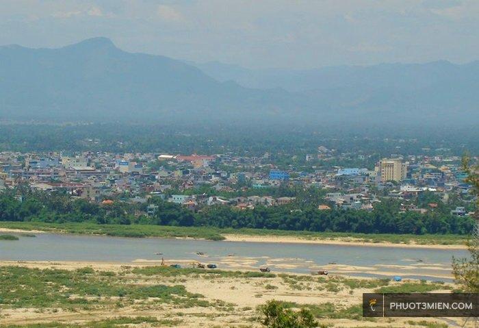 Toàn cảnh tp QN nhìn từ núi Thiên Ấn
