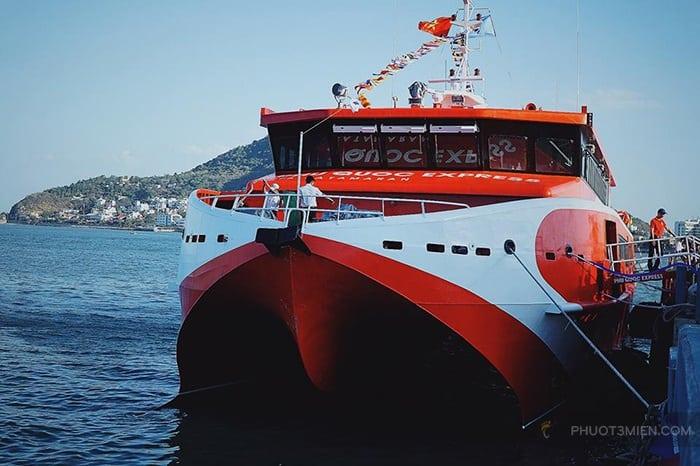 tàu côn đảo express
