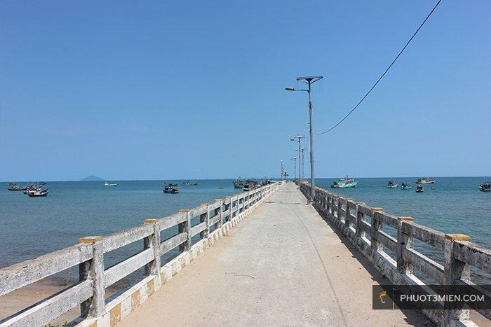 cầu cảng bãi bấc hòn sơn