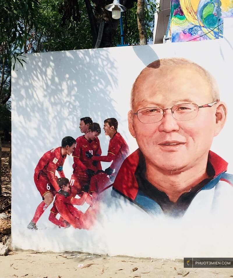 Bức tranh về HLV Park hang Seo ở Làng bích họa tam thanh