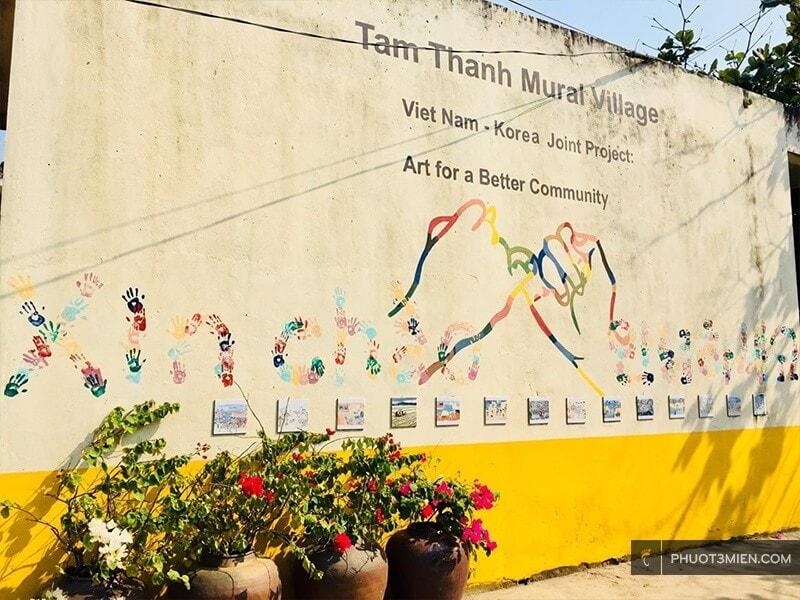 Bích tranh kỷ niệm Việt Nam - Hàn Quốc ở Tam Thanh