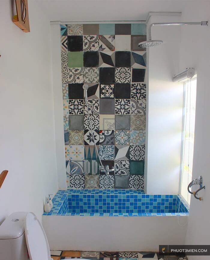 phòng tắm tại Stop and go làng chài resort
