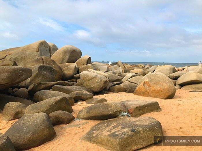 bãi Đá đèo nước ngọt long hải