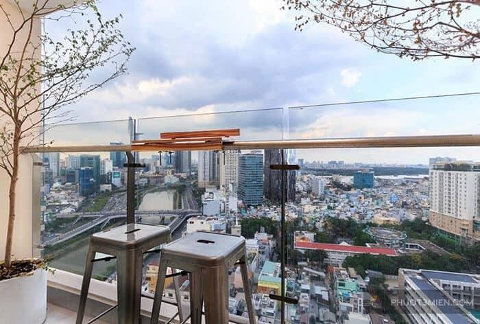 Ban công có view đẹp - Homestay Sài Gòn