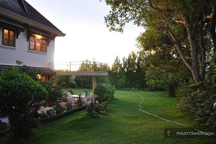Luxury 3 Villa với không gian xanh bao phủ.
