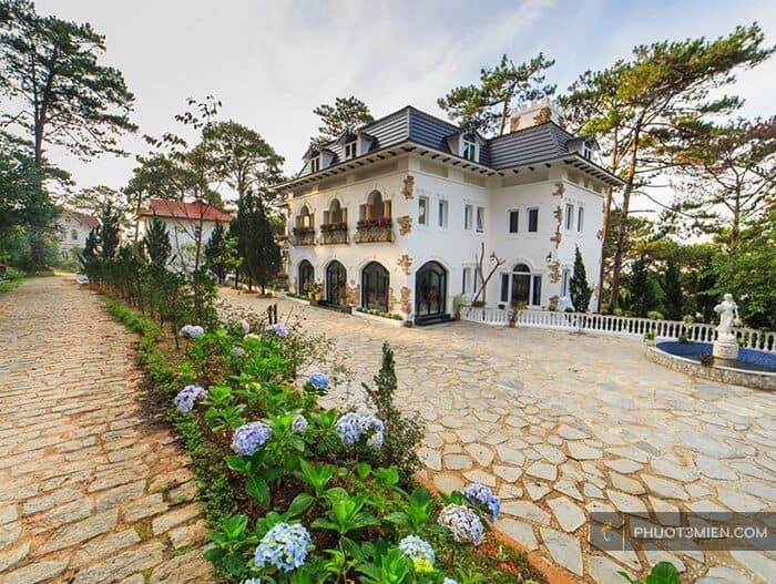 Joy Villa với phong cách cổ điển Châu Âu.