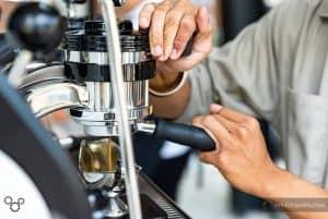 pha chế cafe tại 43 factory coffee đà nẵng