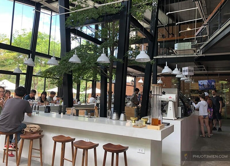 không gian tại factory coffee