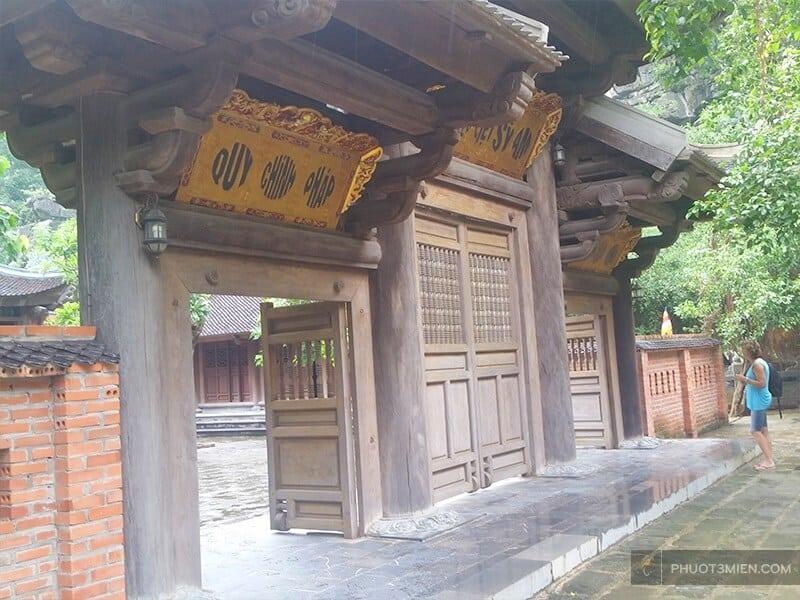 chùa báo hiếu