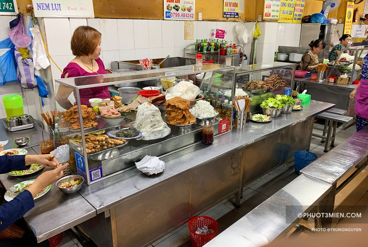 ẩm thực trong chợ cồn