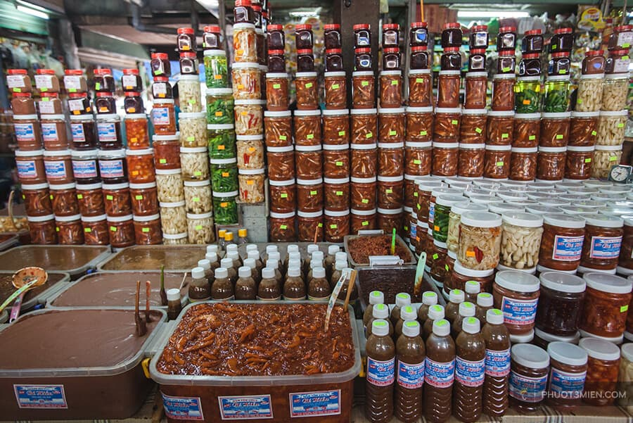 Các loại mắm trong chợ cồn