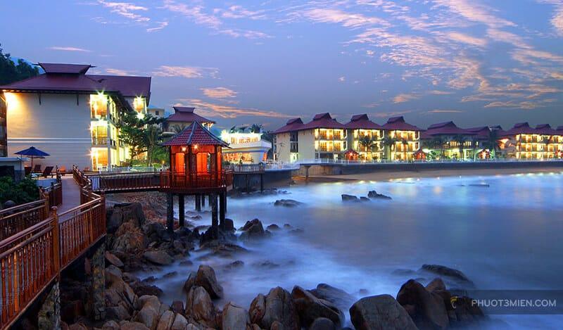 Royal Hotel & Healthcare Resort Quy Nhon 4 sao