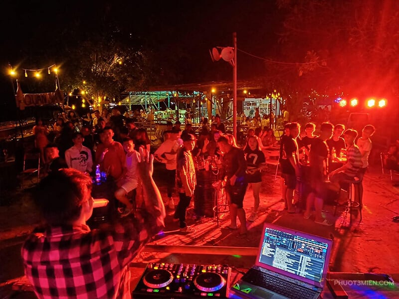 quẩy DJ buổi tối