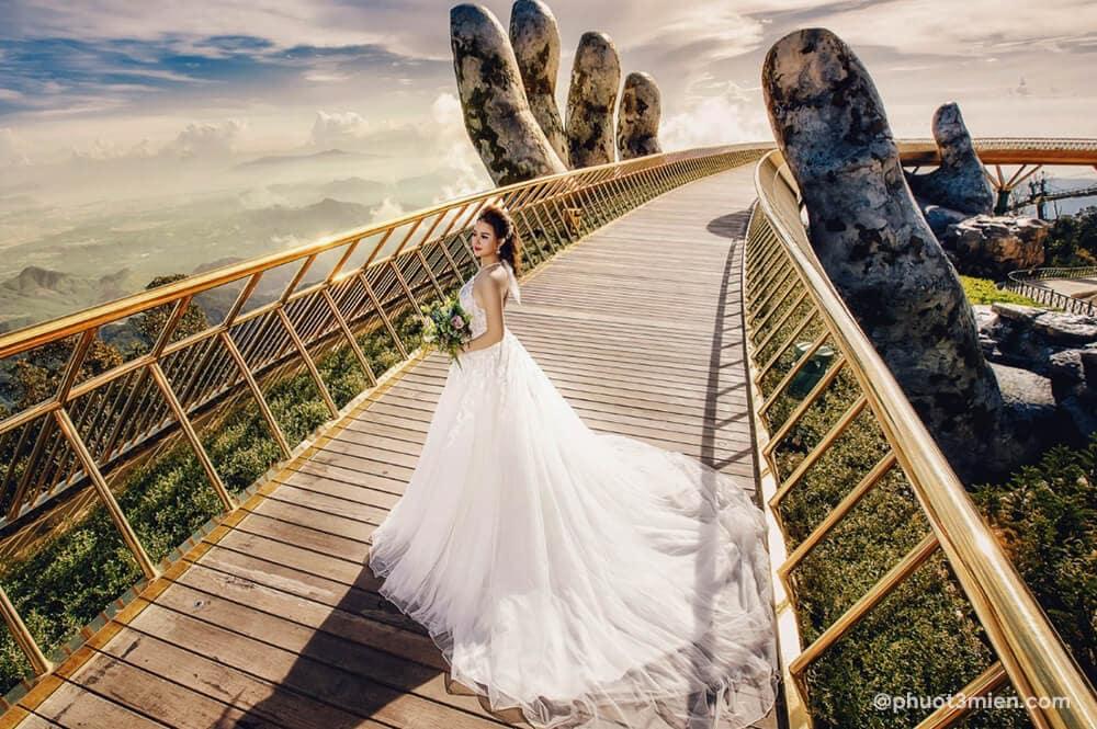 chụp hình cưới ở cầu vàng đà nẵng