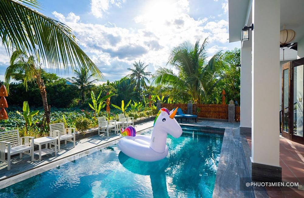hồ bơi ở luna villa