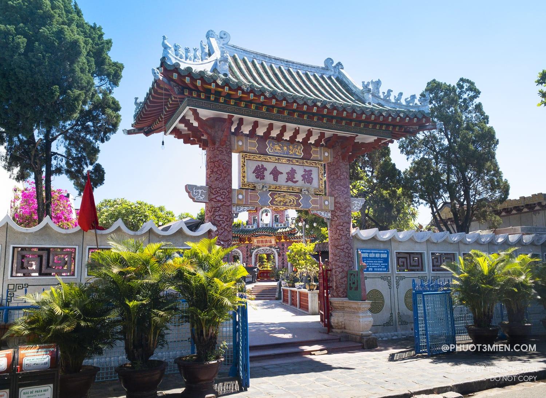 cổng chính hội quán