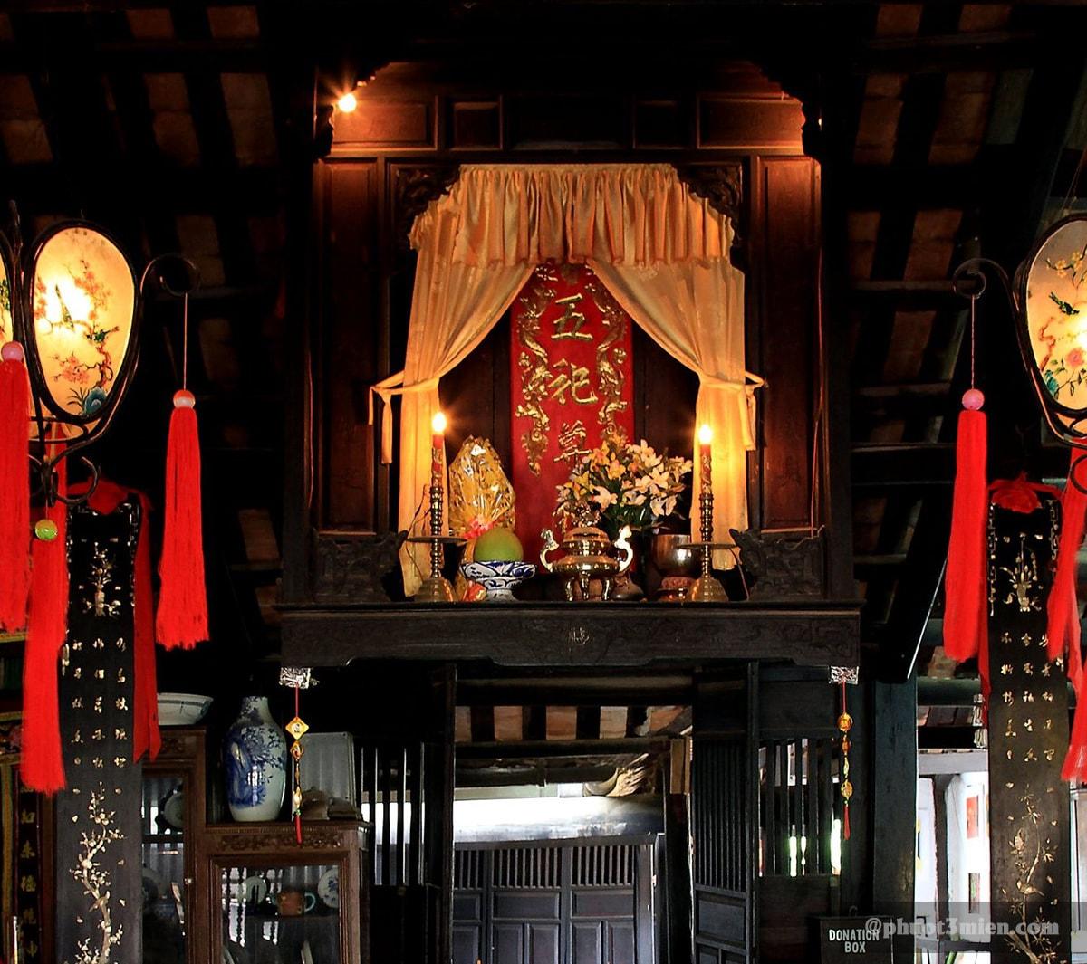 bàn thờ thiên hậu thánh mẫu