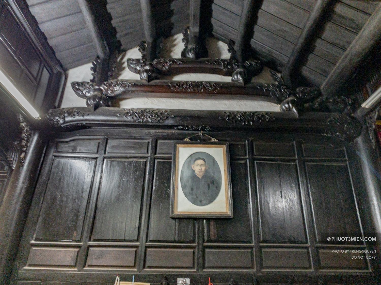 ảnh thờ chủ nhân ngôi nhà