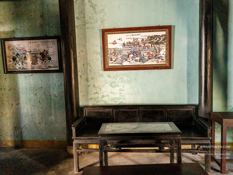 bộ bàn ghế cổ của ngôi nhà