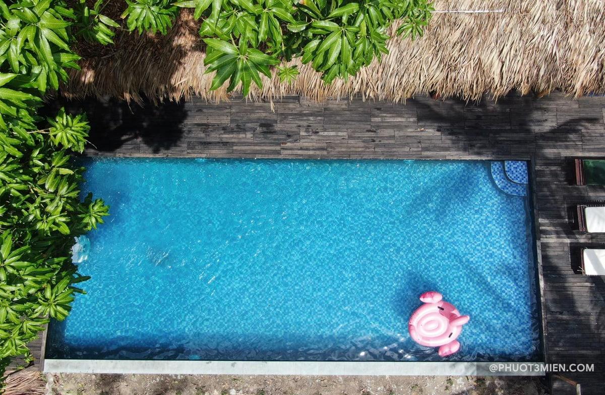 hồ bơi tại resort