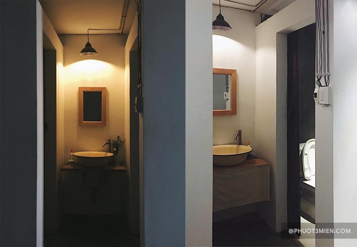 phòng vệ sinh của homestay