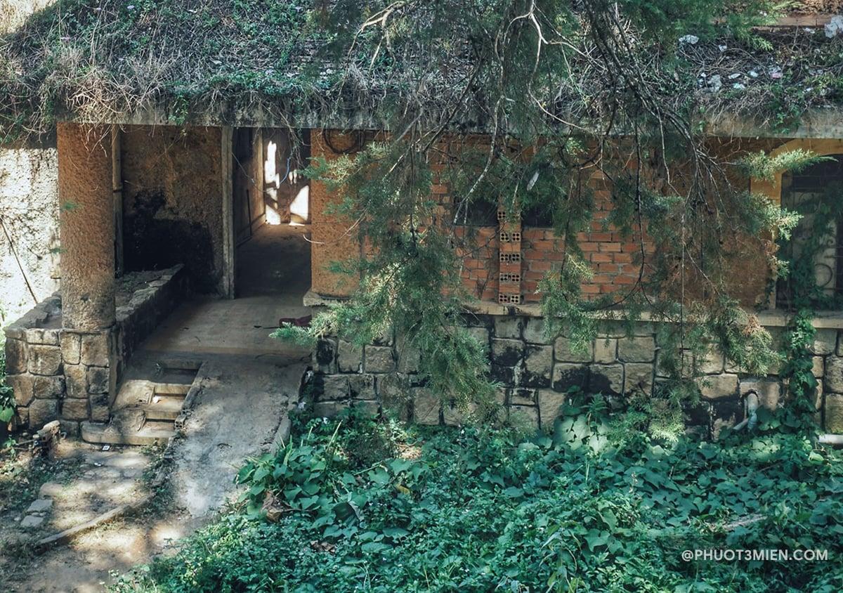 nhà nguyện bỏ hoang ở đà lạt