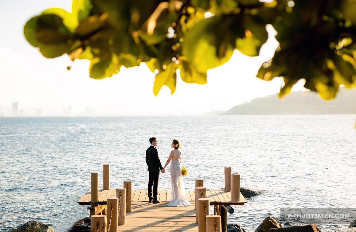 chụp ảnh cưới tại bãi đá Obama