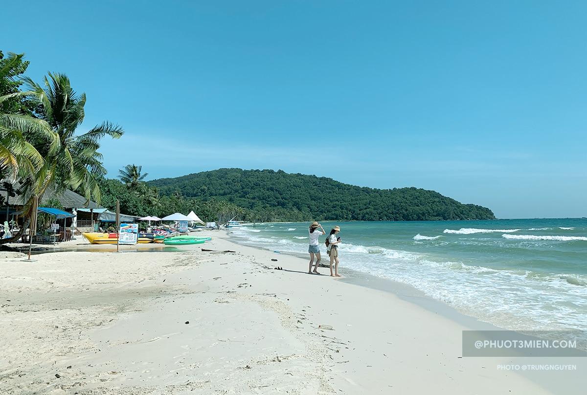 biển xanh cát trắng mịn tại bãi sao Phú Quốc