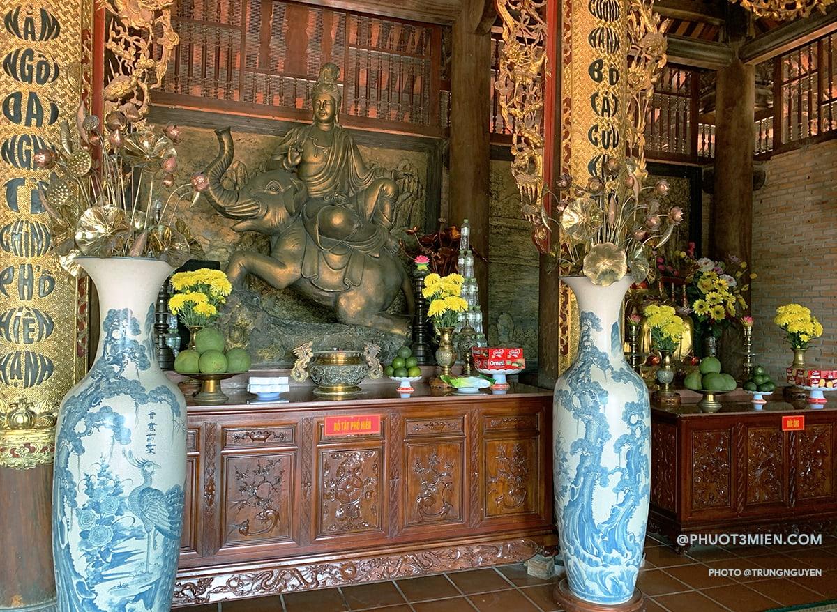 chùa hộ quốc