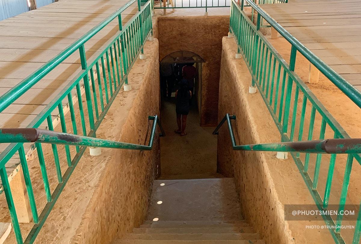 Đào đường hầm tẩu thoát khỏi nhà tù