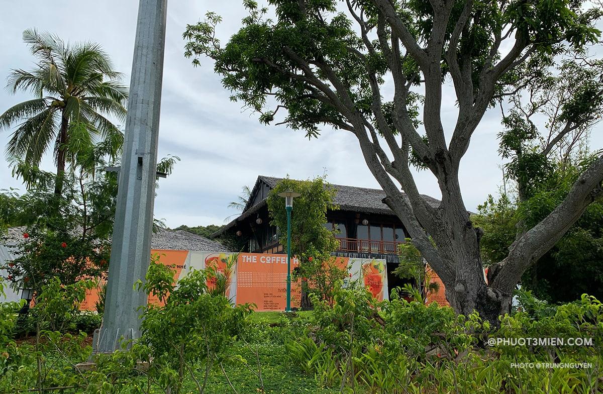 quán cafe trên đảo