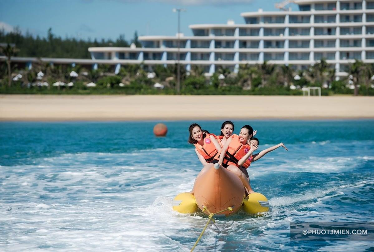 trò chơi trên biển tại FLC quy nhơn