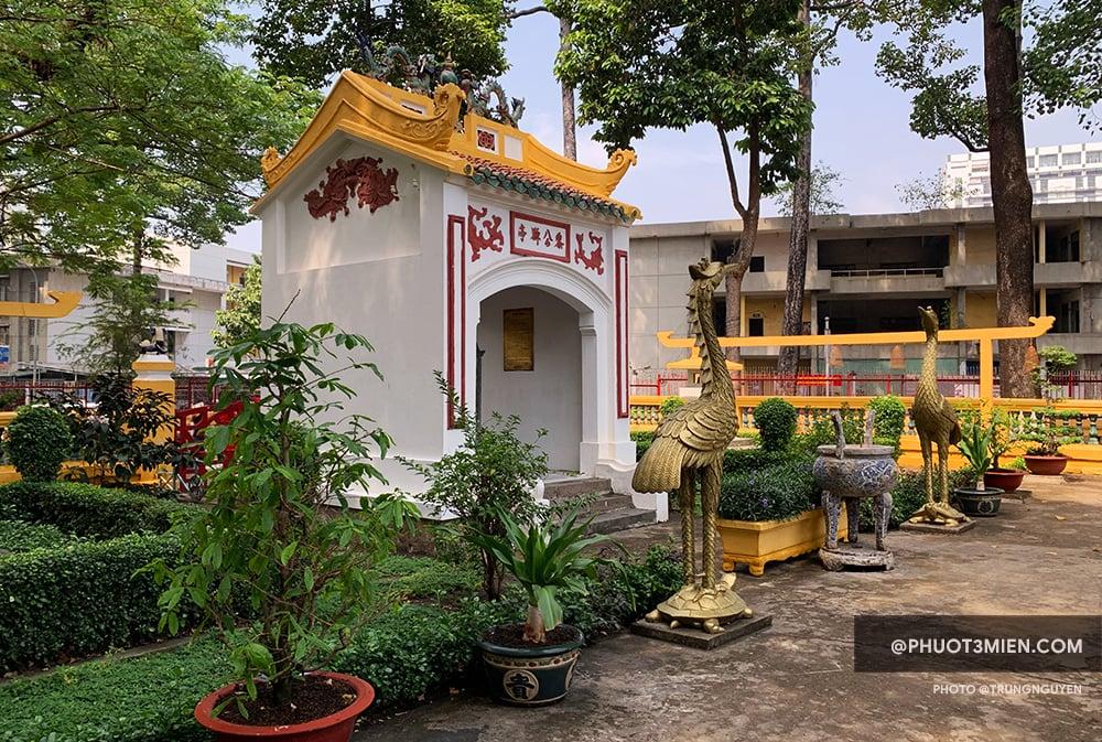 Nhà Bia Lê Văn Duyệt