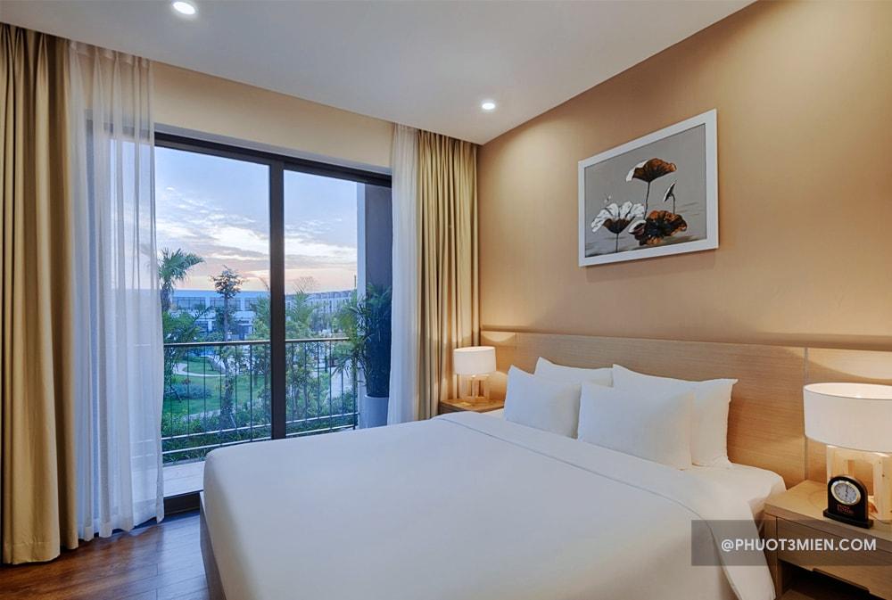 Phòng ngủ Royal Lotus Villas Ha Lon