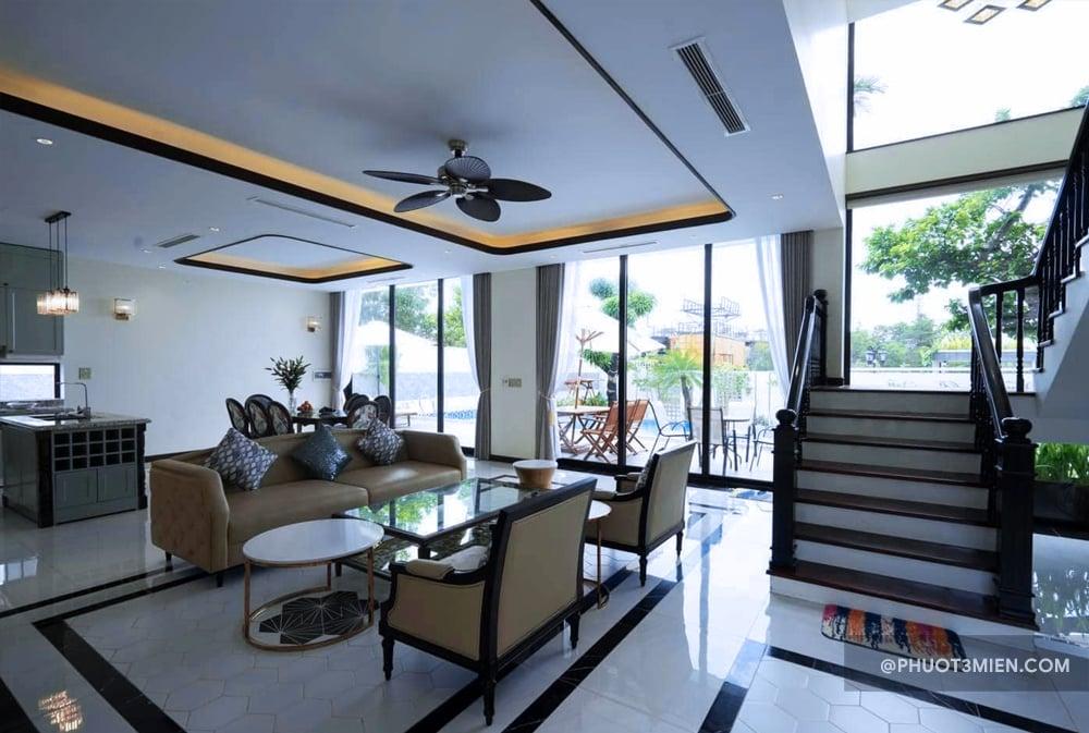 Phòng khách tại Villa Hạ Long