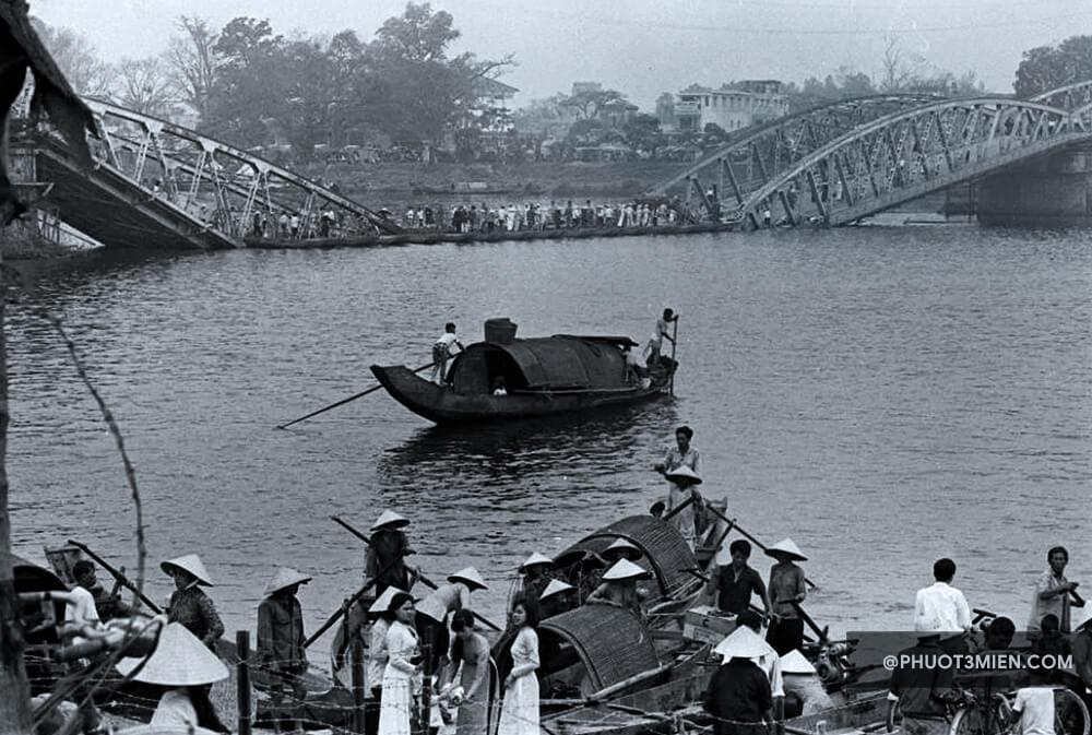 cầu trường tiền bị đánh sập