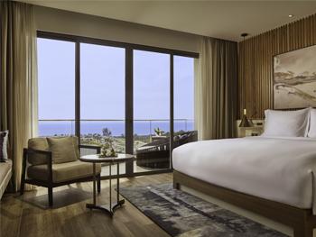 Studio Sea View King Room with Balcony