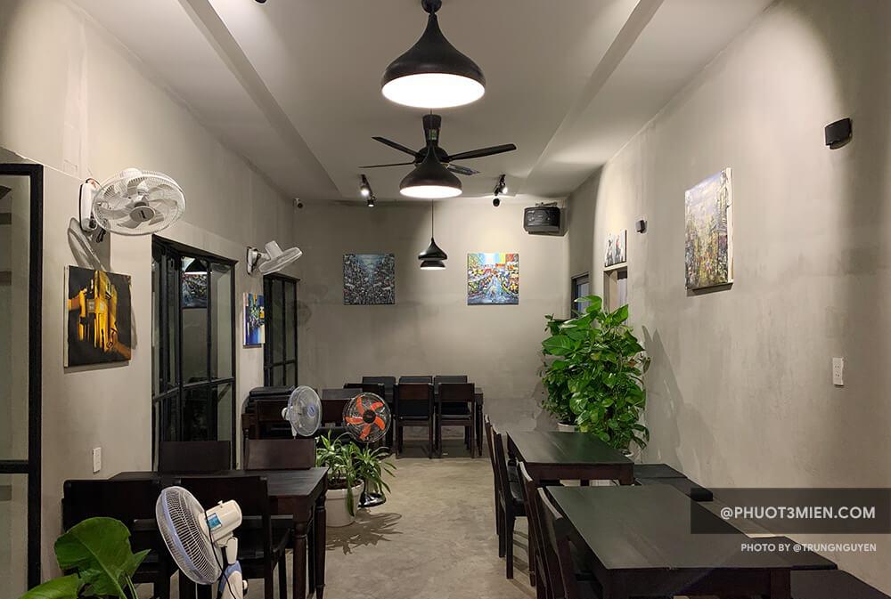 Không gian của quán The Pizza Home